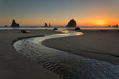 Oregon Coast Sunset (Helminadia Ranford(Traveling)) Tags: travel sunset seascape oregon coast