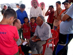 "Die ""Mobile Klinik"" besucht abgelegene Dörfer, hier mit dem Arzt Dr. Yussuf • <a style=""font-size:0.8em;"" href=""http://www.flickr.com/photos/65713616@N03/9309169836/"" target=""_blank"">View on Flickr</a>"