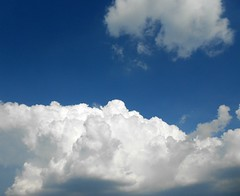 fluffy puffy clouds (ziggywiggy1(SHELLIE B.)) Tags: clouds whatevertheweather thecloudappreciationsociety cloudsandanythingelsehomeoftheclouds