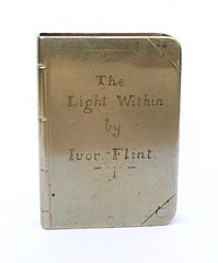 book lighter ' The Light Within by Ivor Flint ' (fumsup) Tags: world art 1 book war first trench lighter ww artisanat poilu 19141918 i reservistika grabenkunst