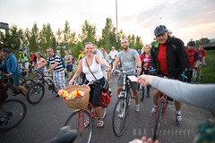 DSC_1181 (M K Strzeleccy) Tags: people fashion bike bicycle cyclist culture poland polska bicicleta cycle criticalmass biking bici fahrrad fiets rower cykel bicicletta lodz łódź accessorize masakrytyczna rowery biciclettes cyclechic cyklisme lodzcyclechic łódzkamasakrytyczna bikehaven rowerowałódź