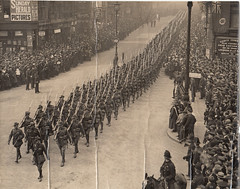 WW1 Australian Infantry Forces marching through London, England - 1919 (Aussie~mobs) Tags: ww1 aif london war firstworldwar worldwarone infantry australianinfantryforces anzac diggers wartime 1919 peace anzacday fleetstreet lestweforget aussiemobs