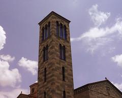 Neorománico (Orzaez212) Tags: church photoshop américa day torre venezuela sunny caracas clear colegio templo campanario católico suramérica