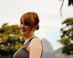 Melzinha (2/52) (over the rainbow ~) Tags: woman girl smile riodejaneiro 50mm blog rj mulher redhead mel garota sorriso week2 menina encontro ruiva 50mm18 52weeksproject melinasouza canont3i amoreja52weeks