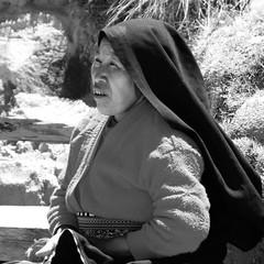 TAQUILE (Luz D. Montero Espuela. 2.5 million visits. Thanks) Tags: trip travel portrait blackandwhite woman blancoynegro titicaca women pentax retrato retratos viajes mujeres taquile isla saleswoman k7 vendedora america peru pentaxk7 luzdmonteroespuela sudamerica