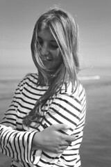 Horizon II (M.Charon) Tags: sea sky mer girl smile saint hair james eyes yeux ciel blond blonde fille sourire regard cheveux rayures marinire