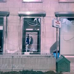 505 Dundas - Northwest Dundas Station entrance (grecomic) Tags: mannequin subway ttc mobilephone yongestreet yonge subwayentrance dundas cellphonecamera yongedundas forever21 dundasstation yongest bankofnovascotia mobilephoneapp dundasstreetwest yongeanddundas retrocamera dundasstw foreverxxi hipsteroku