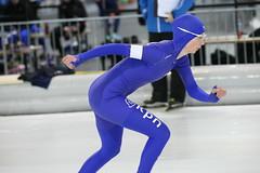 2B5P0860 (rieshug 1) Tags: 500 3000 tilburg 1500 1000 nk dames schaatsen speedskating eisschnelllauf junioren junb nkjunioren ireenwustijsbaan gewestnoordbrabantlimburgzeeland