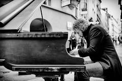 Le pianiste des rues #julianlayn (1) (DeGust) Tags: portrait blackandwhite bw musician music streets monochrome face switzerland blackwhite nikon europa europe suisse noiretblanc streetphotography streetportrait nb lausanne streetartist homme musique noirblanc vaud musicien pianiste romandie artistederue nikond3s niksilverefexpro2 julianlayn sigma35mmf14dghsmart heavysonic
