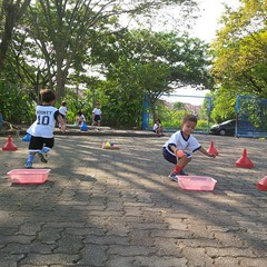 kegiatan-olahraga-memindah-bola-lari-silang (8)