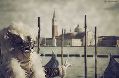Carnevale Veneziano 5932 (kingeston) Tags: kingeston nikon d7000 venezia carnevale venice carnival maschera mask colore colors laguna piazza san marco