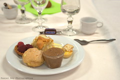 _DSC6888_v1 (Pascal Rey Photographies) Tags: desserts alimentation café coffee kaffee caffe cakes sweets mignardises minicakes sugar azucar sucre nikon d700 digikam linux ubuntu spoon cuillère