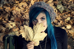 LEAVES (Latulaloca) Tags: blue woman cute sexy girl leaves hair leaf eyes gorro turquoise short beatle autunm