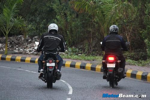 Yamaha-Fazer-vs-Honda-CB-Trigger-15