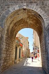 Croatia-01793 - Time to Walk the Wall
