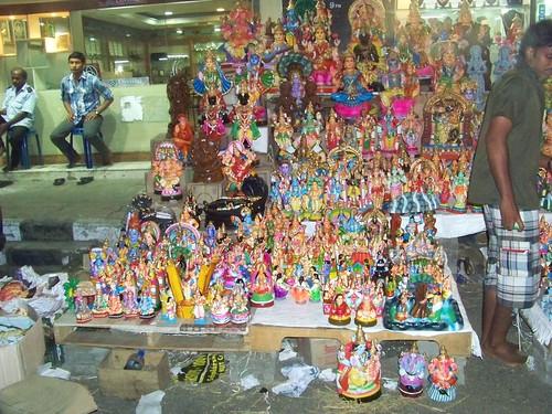 Navratri Golu Dolls Vendors at North Mada St. Mylapore Chennai 3