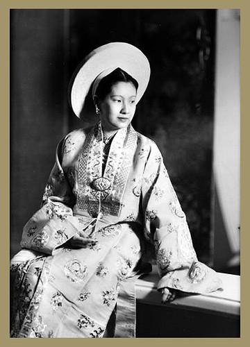 Nam Phuong (1913-1963), wife of Bao Dai, Annam's empress. France, 1949