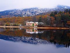 Mi casita de papel (Jesus_l) Tags: espaa europa segovia lagranjadesanildefonso sanildefonso jessl lagoelmar
