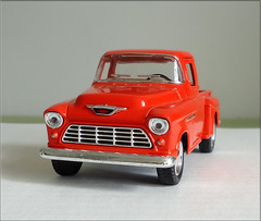 1/32nd scale 1955 Chevrolet Stepside Pickup (by Kinsmart) (*hajee) Tags: chevrolet 1955 pickup chevy 132 stepside kinsmart kintoy