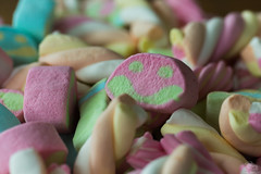 Spekkies (Appeltaart_) Tags: macro candy 60mm tamron snoep spekkies