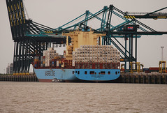 Maersk Laberinto (larry_antwerp) Tags: haven port ship belgium vessel container antwerp schip laberinto maersk apmoller 9526978