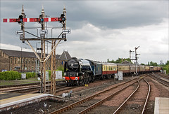 Stirling Semaphore Signalling Farewell (Kingmoor Klickr) Tags: stirling tornado boness 60163 mainlinesteam stirlingmiddlesignalbox scottishrailwaypreservations sm525465 sm7878 sm103034