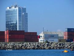 Puerto (Thefx / Francisco) Tags: ocean chile sea sanantonio puerto mar torre pacific container boya pacifico contenedor pacfico oceano regindevalparaso puertodesanantonio litoralcentral zonacentral biocenica