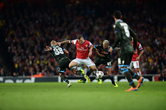 Arsenal v Napoli (toksuede) Tags: uk england italy london sports sport jack foot football nikon fussball soccer emirates napoli naples deporte futbol arsenal league champions calcio 2014 d4 2013 wilshere