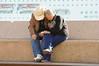A ver como quedo la foto (Picardo2009) Tags: camera couple pareja sydney australia circularquay newsouthwales digitalcamera camara camaradigital flickrtravelaward