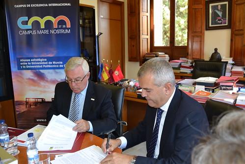 Firma convenio CMN y Casa Árabe