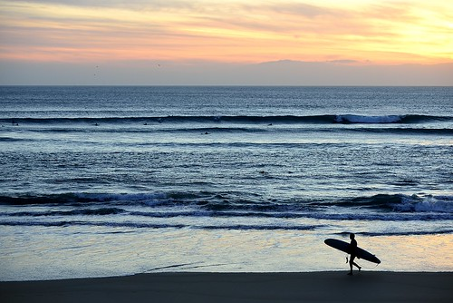 lonely_surfer