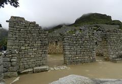 Ciudad Inka de Machupicchu o Machu Picchu Peru Plaza Sagrada Templos 09 (Rafael Gomez - http://micamara.es) Tags: world plaza heritage peru machu picchu de la o ciudad inka templos machupicchu sagrada humanidad patrimonio ph560