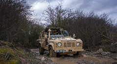 Driffield 3 (combat_photog) Tags: water tom canon army cross offroad 4x4 country johnson royal corps installation mounted kit landrover britisharmy bartlett weapons revised driffield armoured queensroyallancers rwmik wwwthomasjohnsoncouk