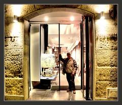 DECORACION-PINTURA-ARTISTAS-PINTORES-CATALUNYA-BARCELONA-DECORADORS-JORDI GARRIG-CUADROS-EXPOSICIONES-ARTISTA-PINTOR-ERNEST DESCALS-FOTOS- (Ernest Descals) Tags: pictures barcelona espaa art shop painting luces spain artwork artist arte kunst paintings decoration catalonia exhibition fotos artists artistas painter catalunya showcase painters cultura bilder pintor catalua pintura pintores pintar tiendas cuadros peintures exposicion artistes pinturas artista piedras centrohistorico escaparates manresa pintures sello escaparate quadres malerei occidente decoracion katalonien catalogne plastica catalans exposiciones exposici aparador firmas botigues imperioromano valores catalanes exposicions aparadors decoraci exponer creativos pintors decoradores decorador ernestdescals estilopersonal decoradors jordigarrig fondoartistico