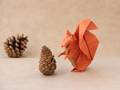 Squirrel by Michael G. LaFosse (ronatka) Tags: squirrel origami bakingpaper michaelglafosse unryupaper origamishopcom