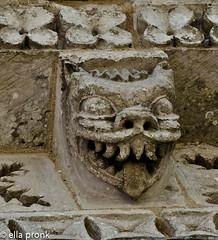 2010-07-20  Rétaud, église  Saint Trojan, Charente Maritime, Poitou Charentes 37 (ellapronkraft.) Tags: rétaud églisesainttrojan charentemaritime poitoucharentes monster theeth