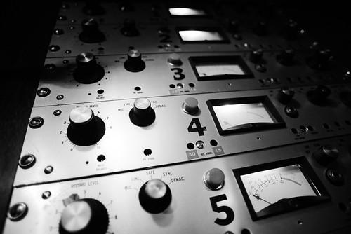 Slow Thrills Minbal Scully Tape Machine BW
