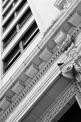 2017-02-16-111139_bw (Schmidtze) Tags: abstrakt architektur blackandwhite building california closeup detail downtown einfarbig gebäude highrise hochhaus losangeles schwarzweis vereinigtestaaten