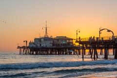 La célèbre jetée de Santa Monica (cyrillebaissac) Tags: plage mer eau coucherdesoleil océan jetée pier santamonica santamonicapier losangelès californie california étatsunis usa night