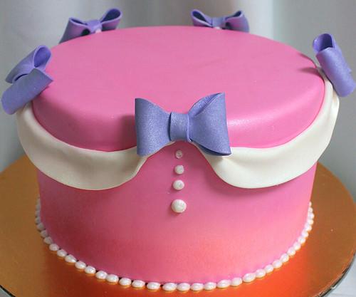BowsnRibbons_Cake
