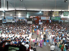 Lal Baug Raja 2013 Crowd (ganuullu) Tags: ganesh mumbai ganpati lalbaug ganeshchathurthi lalbaugcharaja lalbaugraja