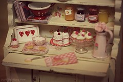 Happy Valentine's Day (*Joyful Girl  Gypsy Heart *) Tags: food cookies hearts 1 miniature cupcakes baking valentines 12 chic shabby joyfulgirlgypsyheart lovejoybears {vision}:{text}=0655 cuteinminiature