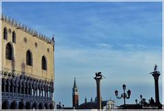 Venezia Piazza San Marco (boisderose) Tags: venice venezia sanmarco palazzoducale piazzasanmarco colonne santeodoro leonealato