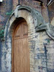The Door (Gijlmar) Tags: door uk inglaterra england london puerta europa europe londres porta angleterre porte londra ingiltere tr deur londen anglia inghilterra avrupa londyn drzwi   englanti dvee anglaterra