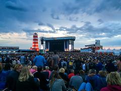 Concert at Sea (stantichy) Tags: abend wolken menschen musik konzert lichter niederlande bühne schouwenduiveland bløf leuchturm 26bis27juni2015