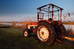 20170215-Canon EOS 750D-2380 (Bartek Rozanski) Tags: driebruggen zuidholland netherlands greenheart groenehart holland nederland reeuwijkseplassen oukoop tractor agriculture afternoon rural europe