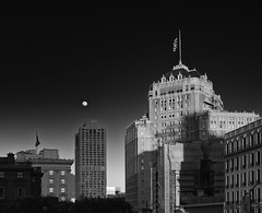 Nob Hill Moon (Steve Gumina Photography) Tags: blackandwhite monochrome sanfrancisco nobhill cities urban moon bw
