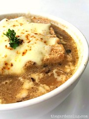 French-style onion soup topped w chunky cheesy croutons (the_garden_slug) Tags: soup restaurant singapore events diner slug onionsoup catering soupoftheday wwwthegardenslugcom thegardenslug