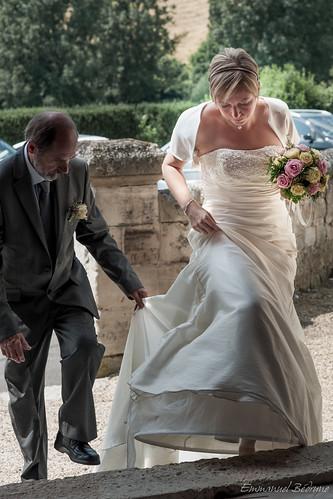 La mariée entrant dans l'église