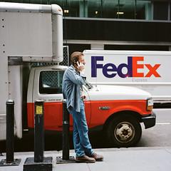 [F350] (uderaglassbell) Tags: street nyc newyork 120 6x6 tlr night rolleiflex truck mediumformat kodak manhattan candid stranger fedex twinlensreflex 75mm portra400 35f rolleiflex35f underaglassbell carlzeissplanar75mmf35 sekonicl308s